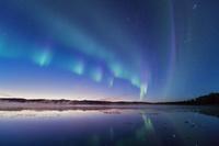 カナダ 夜明けのグラベル湖