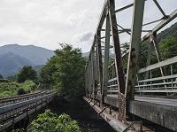 鉄道橋と道路橋
