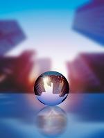 イメージ ビル群の写るガラス球