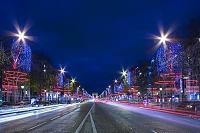 フランス パリ シャンゼリゼ通りと凱旋門