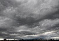 不気味な雨雲