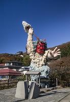秋田県 なまはげ立像