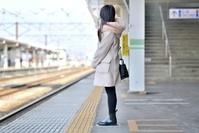 ステーション 旅行の日本人女性