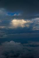 山梨県 雲 富士山八合目にて
