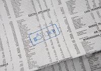 新聞の株価欄