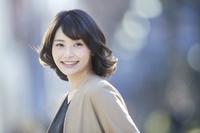 笑顔の日本の女性