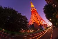 東京都 東京タワーと車の軌跡 夜景