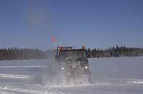 カナダ イエローナイフ 雪上車