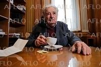 「世界一貧しい大統領」 ムヒカ氏が政界引退
