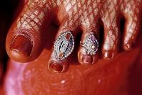 インド 足指のアクセサリー