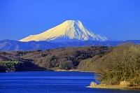 埼玉県 狭山湖と富士山