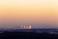 神奈川県 相模原市から望む新宿副都心