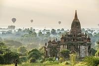 ミャンマー パガン 仏教遺跡と気球ツアー
