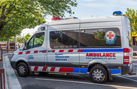 オーストラリア 緊急救急車サービス車