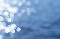 水面の光の反射