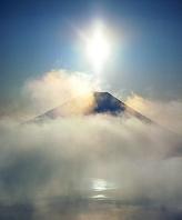 山梨県 富士山 厳冬光