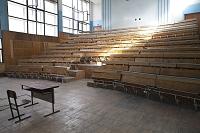 無人の講義室