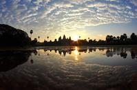 カンボジア アンコール遺跡の日の出