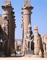 エジプト ルクソ-ル ルクソール神殿 列柱廊