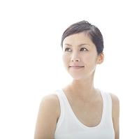 微笑む日本人女性