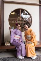 着物の日本人女性