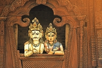 ネパール パールヴァティーとシヴァ神の木像