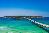山口県 角島大橋と青い海