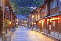 石川県 ひがし茶屋街の明かり