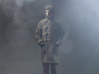 ダッフルコートを着た若い男性