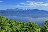 秋田県 発荷峠の紫明亭展望台より十和田湖