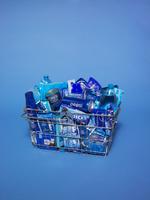 スーパーの買い物かご 青色