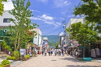 長野県 旧軽井沢銀座の商店街