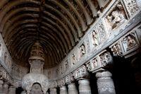 アジャンタ石窟 第19窟 ストゥーパ アジャンタ インド