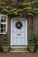 ドアに飾るクリスマスリース