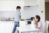 日本人家族団欒