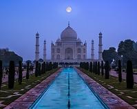 インド アグラ タージ・マハル 月合成イメージ