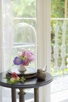 グラスカバーと花