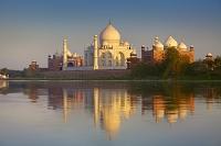 インド タージ・マハル ヤムナー川