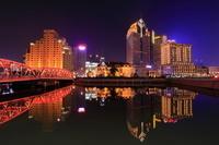 上海 外白渡橋と北外灘の夜景