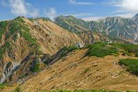 富山県 中大日岳から奥大日岳(左)と別山(左奥)