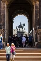 ドイツ ザクセン王 騎馬像