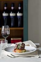 牛肉のローズマリーとステーキのプレート