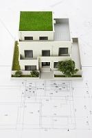 二世帯住宅模型と設計図