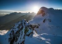 イタリア スイス ツェルマット クライン・マッターホルンとブ...
