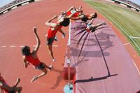 走高跳の連続写真