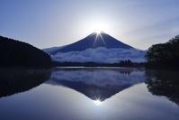 静岡県 田貫湖のダイヤモンド富士