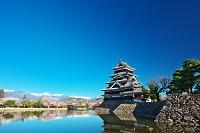 長野県 松本城と北アルプス