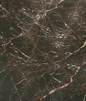 黒大理石の石壁