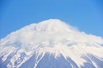 静岡県 雲に覆われた富士山