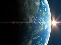 宇宙から見た日本の日の出